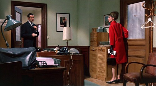charade_mathauoffice_redcoat