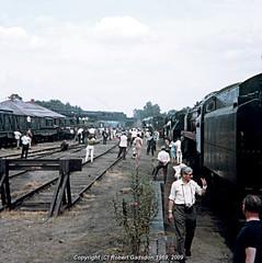 1969 - Loco yard at Longmoor (Robert Gadsdon) Tags: 1969 geotagged gordon lmr davidshepherd 9f longmoor 2mt clanline geo:lat=51074302 geo:lon=0863532