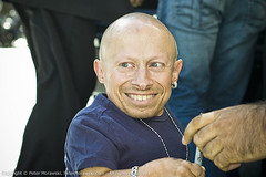 93: TIFF 09: Verne Troyer (Peter Morawski) Tags: toronto ontario canada celebrity film festival project 50mm hotel downtown pentax peter international zen fans 365 tiff fa intercontinental minime imagery exposures 385 verne vernetroyer torontointernationalfilmfestival morawski troyer 50mm17 k100d zenimagery portfolioeditorial tiff09 365exposuresproject 385exposuresproject pmv09 petemorawski