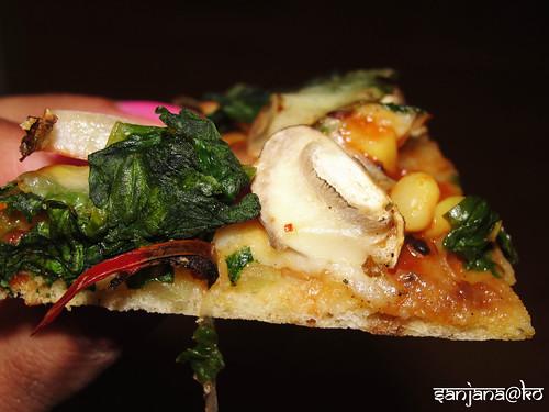 naan pizza 9