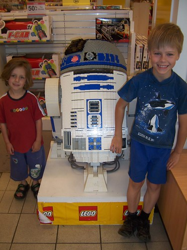 Lego R2D2 at Myer_7579