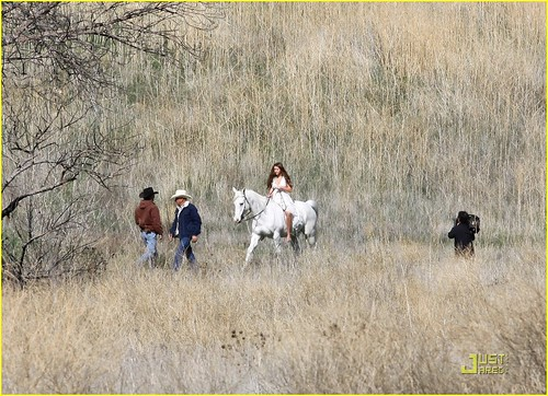 miley-cyrus-white-horse-photo-shoot-18