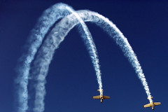 Lifeless (Abdullateef Al Marzouqi) Tags: blue sky white nikon smoke uae airshow alain d3 lifeless laati