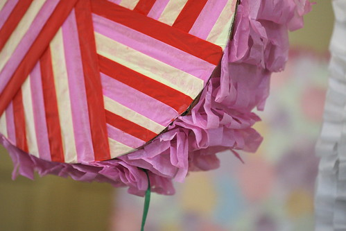 party pull #4: a design using ribbons of paper