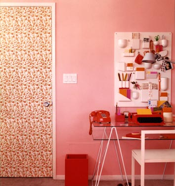 3269932958 739067bd85 o A few of my favorite pink rooms