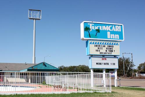 Tucumcari Inn sign: American Owned