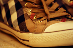 Burberry (M ï M ï) Tags: red brown white 3 black girl march focus shoes 12 2009 burberry