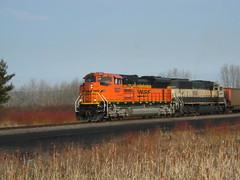 BNSF SD70ACE 9227 & SD70MAC 9539 (MidMinn Railfan) Tags: santa railroad wisconsin burlington superior caboose locomotive fe northern bnsf sd70mac sd70ace