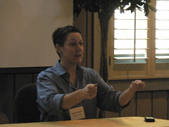 Sylvia Marino driving Edmunds.com community at the March 2009 Online Community Business Forum - Sonoma, CA