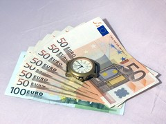 Time is cash (Gunnar Ries) Tags: money time euro euros zeit geld termin geldscheine banknoten zeitistgeld timeiscash termingeschaefte termingeschaeft