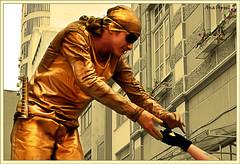 Thanks (Ana Appel) Tags: floripa urban statue thanks gold thankyou friendship zoom good humanstatue florianpolis dourado thank amarelo human amizade 1855mm ouro esttua filtro solidariedade citt nikond60