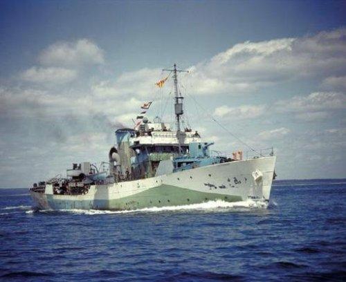 Colour_HMCS_Regina