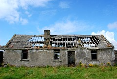 Traditional Cottage (Gaz-zee-boh) Tags: old ireland house abandoned architecture ruins decay cottage ruin derelict lahinch stonehouse countyclare traditionalcottage 5photosaday nikond40 almostanything liscannorbay thebannercounty irishstonecottage irishcottageruins