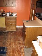 Kitchen de-linoleumed