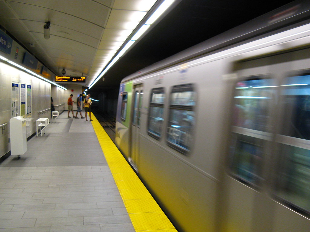 King Edward Station, Platform Level