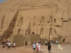 Ramsés a lo lejos (versae) Tags: egypt egipto مصر abusimbel أبوسمبل أبوسنبل