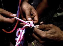 Manos (Camilo Vasquez) Tags: hands colombia bogota manos hammocks weaving weave fotografa displacement tejer hamacas tejido desplazados reportajefotogrfico forceddisplacement desplazamientoforzoso