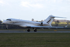 VP-BOS - Private - Bombardier BD-700-1A10 Global Express - Luton - 090325 - Steven Gray - IMG_2245