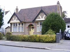 Original Bungalow, Seven Kings (sludgegulper) Tags: kings seven ilford bungalow redbridge