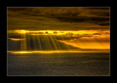 Light (Alfredo11) Tags: light sunset sea naturaleza seascape luz beach nature water yellow clouds atardecer golden mar agua nikon bravo ray searchthebest playa paisaje amarillo nubes dorado rayos d300 supershot anawesomeshot infinestyle vosplusbellesphotos