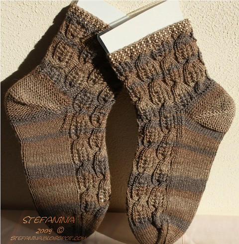 Crystal, Combs and Cables socks