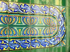 Barcelona - Aribau 014 f (Arnim Schulz) Tags: barcelona espaa building art faence architecture tile liberty spain arquitectura pattern arte mosaic kunst edificio kacheln mosaico catalonia artnouveau tiles gaud architektur catalunya deco espagne btiment gebude muster modernismo catalua spanien modernisme glazed azulejos jugendstil mosaque baldosa mosaik smrgsbord espanya katalonien stilefloreale eixample belleepoque baukunst carreau