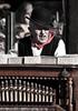 de Orgeldraaier / le Joueur d'orgue (Isabelle Lejeanvre-Jacobs) Tags: portrait nikon antwerpen anvers joueur d90 orgeldraaier dorgue