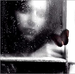 Mosoon ((`  . Candy .  )) Tags: girl lyrics pretty alone sad heart picture pic monsoon through poema mensagens