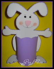 COELHO EM E.V.A (Gisa Kato) Tags: lembrana eva pscoa coelho presente lembrancinha cestinha
