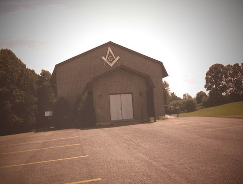 Not-so-hidden masonic lodge