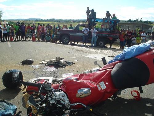 Acidentes com três vítimas fatais, neste domingo, em 16-08-09... 069 por você.