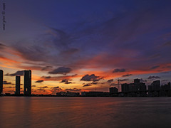 In Search of a Sunset (iCamPix.Net) Tags: sunset canon landscape florida miami explore frontpage professionalphotographer miamidadecounty 8045 markiii1ds