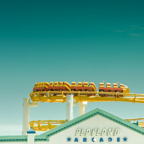 Cuba Gallery: California / Los Angeles / City / Santa Monica / retro / people / fun / roller coaster / typography / summer / sky / background / blue / photography
