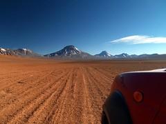 En camino, 4x4 (Así fotografió Zaratustra) Tags: chile paisajes naturaleza trekking de lago san pedro atacama desierto laguna montaña volcan lascar lejia