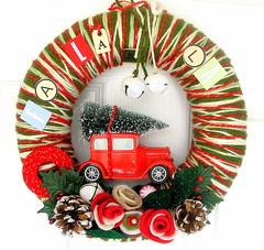 Fa La La Yarn Wreath (KnockKnocking) Tags: christmas red tree cute green miniature candy yarn wreath
