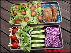 purple haze dots (FrenchBento) Tags: vegan cucumber vegetarian bento lunchbox seitan redcabbage purplehazecarrot aragulasprouts