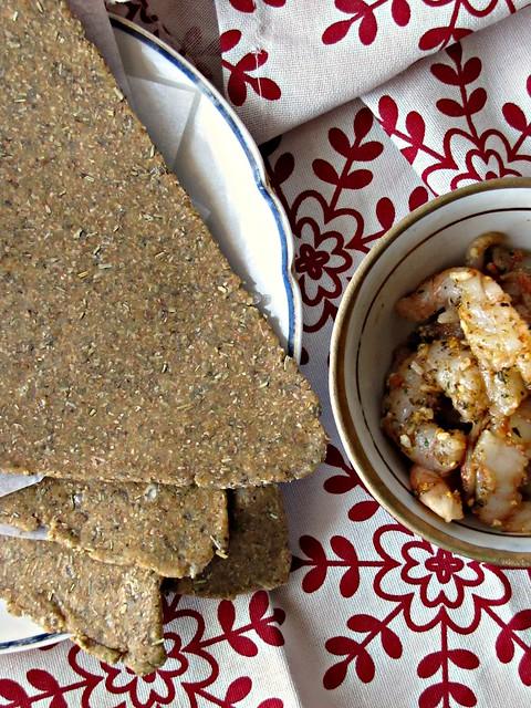 Gamberi alle Spezie Brasiliane su Lastra di Sale Rosa e Besan Roti