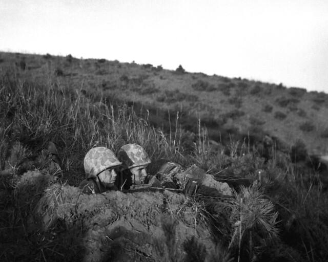 Korean War - HD-SN-99-03084 Leatherneck machine gun crew by US Army Korea - IMCOM