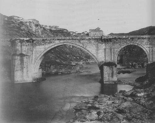Puente de San Martín de Toledo en 1858. Foto de Charles Clifford. The Hispanic Society of America.