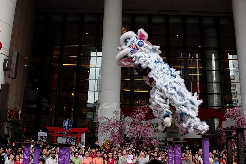 Acrobatic Lion Dance @ Berjaya Times Square, KL, Malaysia