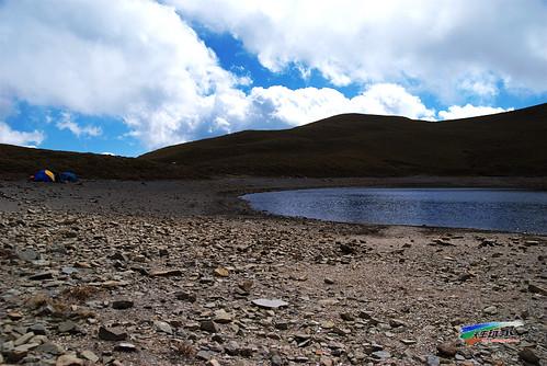 枯水位的嘉明湖
