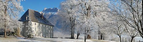 chateau des allues en hiver