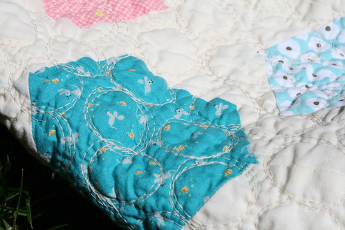 Hexagon Baby Quilt - quilting detail