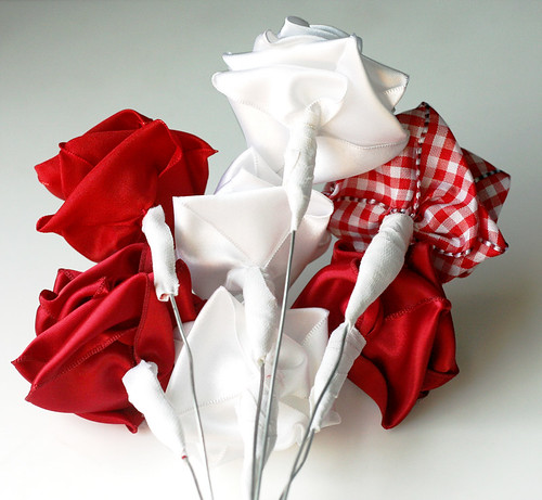 Ribbon roses: backs