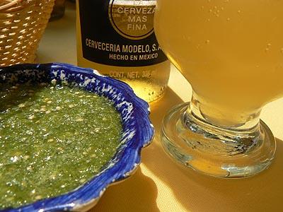 corona y salsa verde.jpg