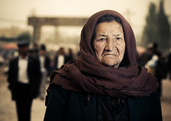 Lady Hijab (Jeremy Snell) Tags: china old grandma portrait west face lady 50mm chinese hijab age xinjiang kashgar
