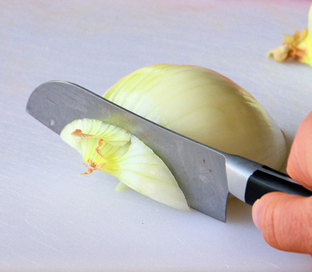 how-to-cut-an-onion-2