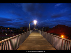 Blue Hour at the Union Station Pedestrian Bridge - Portland Oregon - HDR (David Gn Photography) Tags: night oregon portland skybridge amtrak walkway trainstation pdx bluehour unionstation overhead hdr pedstrian photomatix 6xp sigma1020mmf35exdchsm canoneosrebelt1i