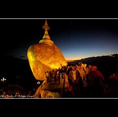 Golden Rock VI - Kyaikhtiyo - Myanmar (Lucie et Philippe) Tags: sunset rock golden burma myanmar birmanie kyaikhtiyo mygearandme mygearandmepremium