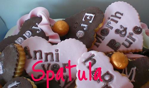 Kalp Kurabiyeli Doğum Günü ve Evlilik Yıl Dönümü Pastası... by Demetin spatulasi
